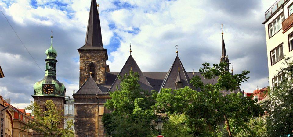 Pozvánka do Břevnovského kláštera a do Karlína ve znamení Ryb
