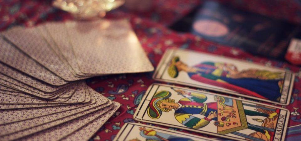 Přednášky o Tarotu a výkladu karet